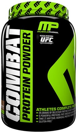 Combat Protein Powder Cookies & Cream (907 gr)